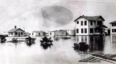Flood in the Belle Glade area after the 1928 storm.