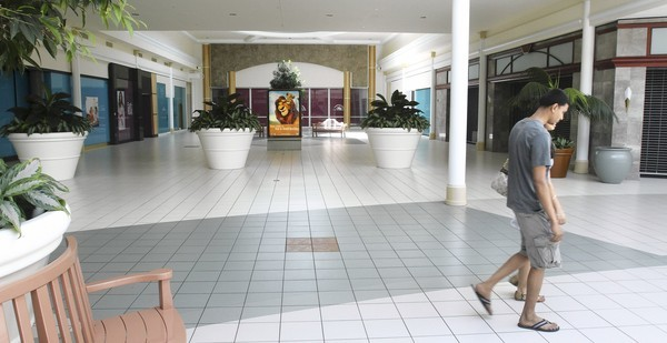 West Oaks Mall continues to struggle in the economic downturn.
