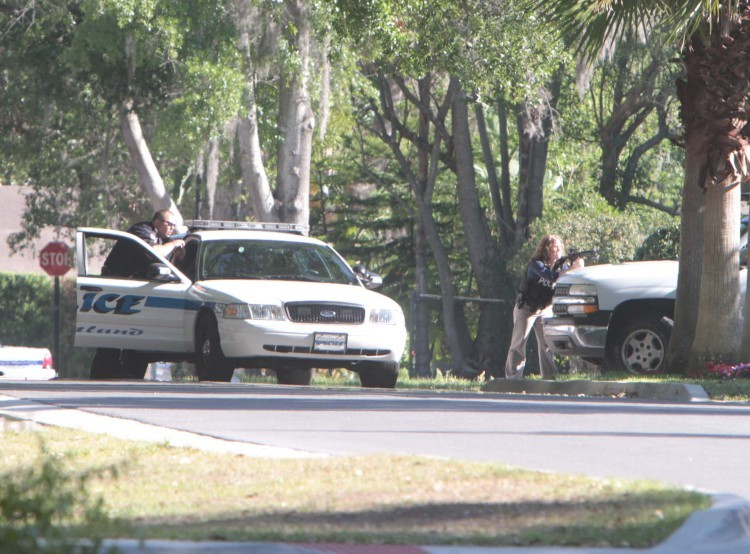 Maitland police try to get shooting suspect to come out of a house.