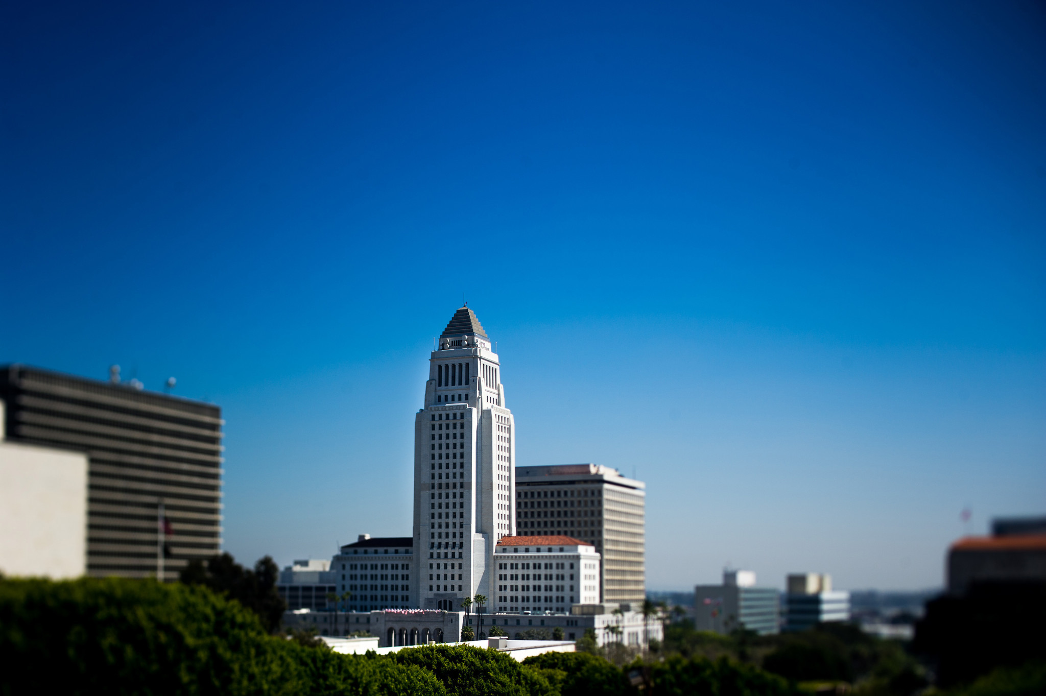 The iconic Los Angeles City Hall, completed 1928, in downtown LA. The Los Angeles of the '30s and '40s, as depicted in its Noir novels and movies, lives on in a tour de noir.