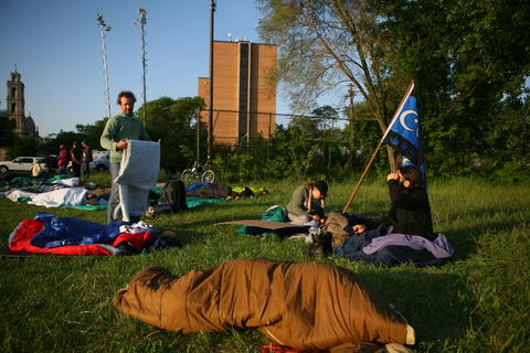 Occupy protesters from New York wake up across the street from the Woodlawn Mental Health Clinic this morning.