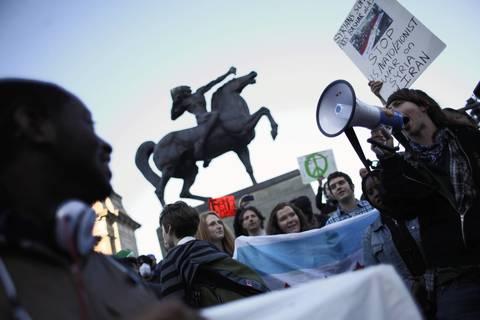 Protester press on in Grant Park.