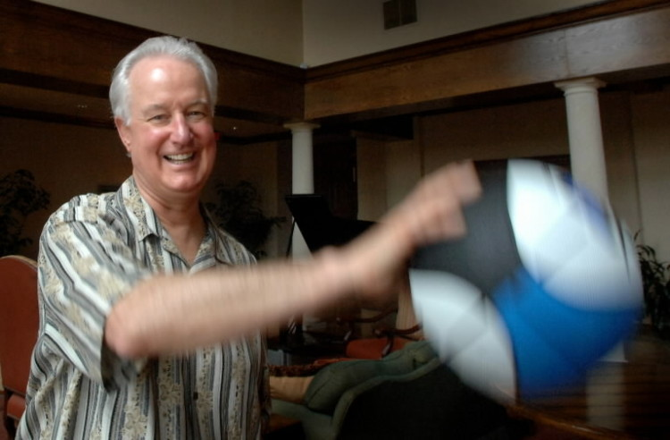 In 2006, Pat Williams jokes around with a Magic basketball while chatting about 20 years of the Orlando Magic franchise. (Joe Burbank/Orlando Sentinel file)