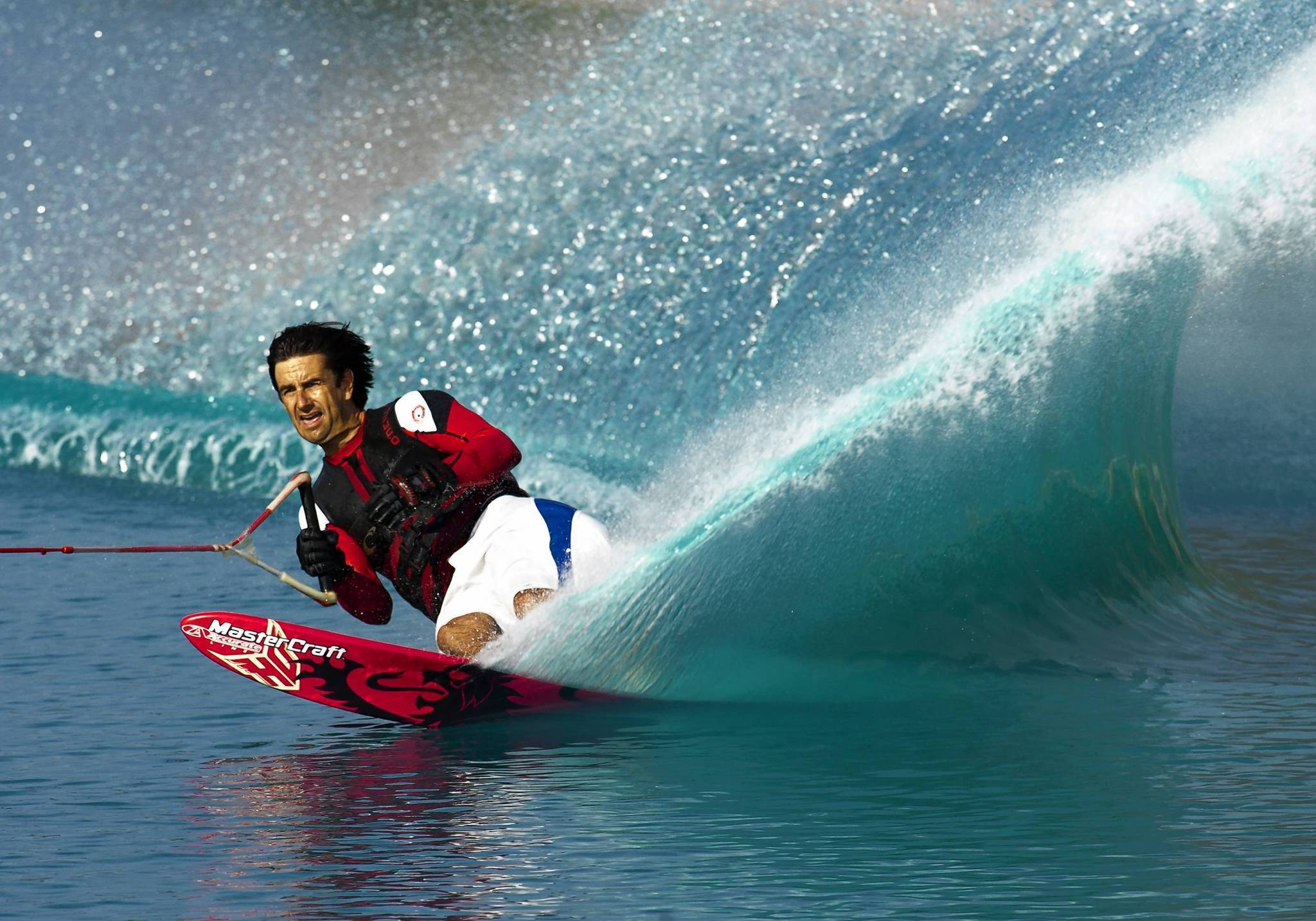 Water skier Wade Cox has been inducted into the Water Ski Hall of Fame.