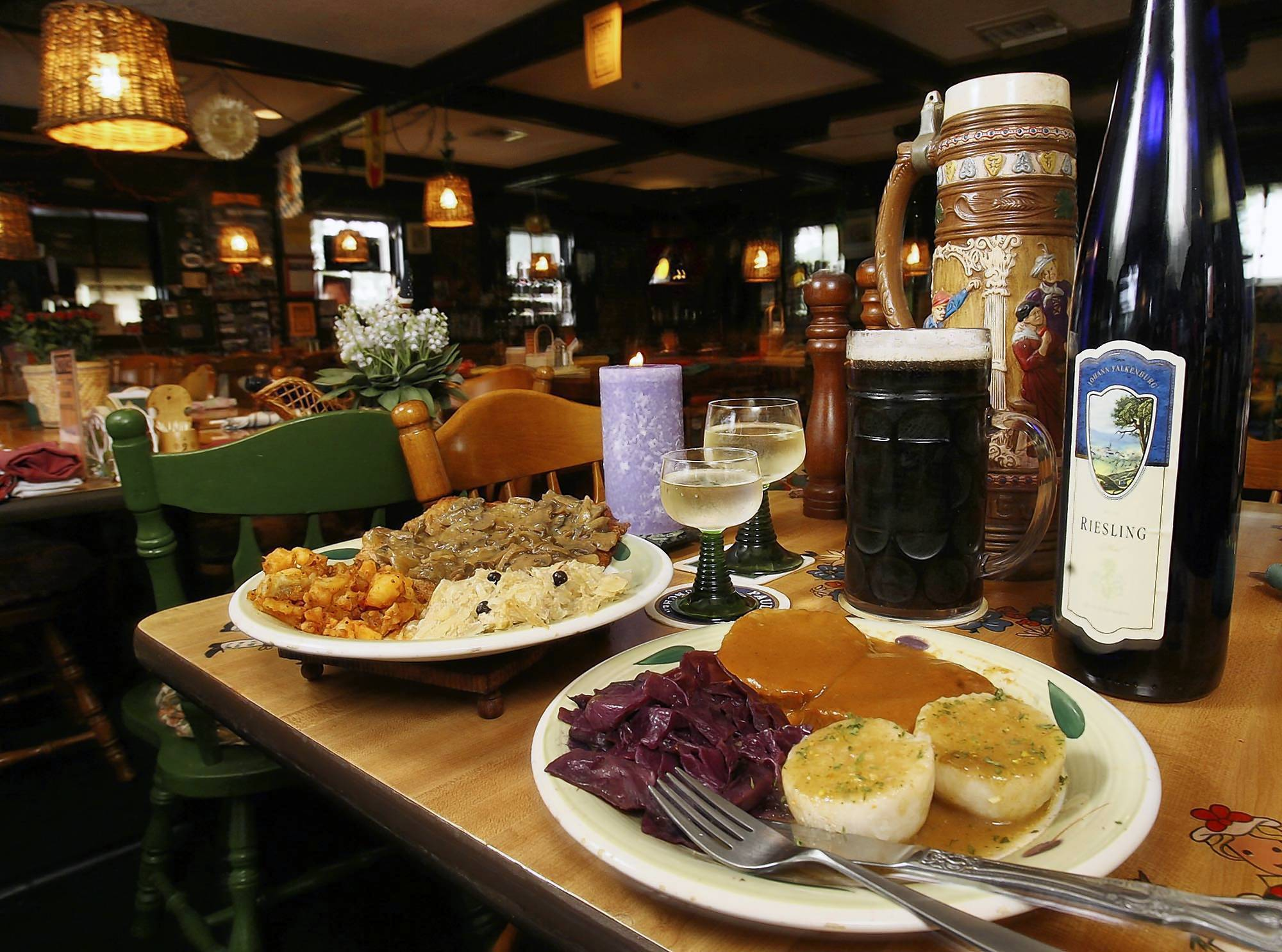 Orlando restaurant reviews orlando sentinel restaurant for Authentic german cuisine