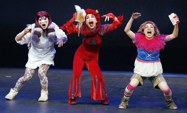 """""""My Exploding Family"""" is performed at the Orlando Fringe Festival preview at the Lowndes Shakespeare Center on  May 16. (Stephen M. Dowell/Orlando Sentinel)"""