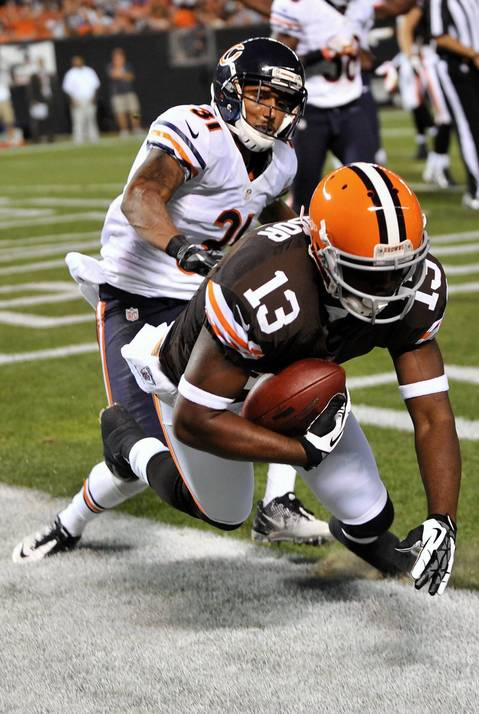 Browns wide receiver Rod Windsor catches a touchdown pass in front of cornerback Isaiah Frey in the second quarter.
