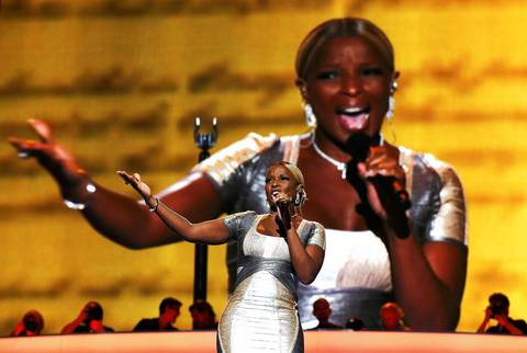 Singer Mary J. Blige performs during the final session of the Democratic National Convention.