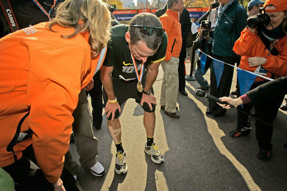 Lance Armstrong after finishing the 2006 New York Marathon.