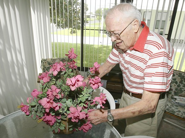 Thomas Woodruff at his home in Leesburg. (Stephen M. Dowell/Orlando Sentinel)
