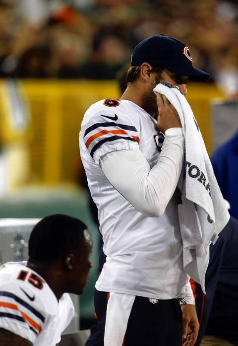 Jay Cutler and Brandon Marshall on the bench after a 3rd quarter interception.