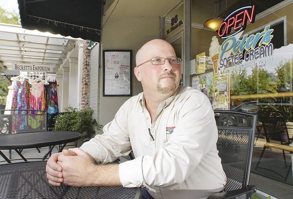 Michael Scorsone wants to turn Peter's Softee Cream into an outdoor bar in downtown Winter Garden.