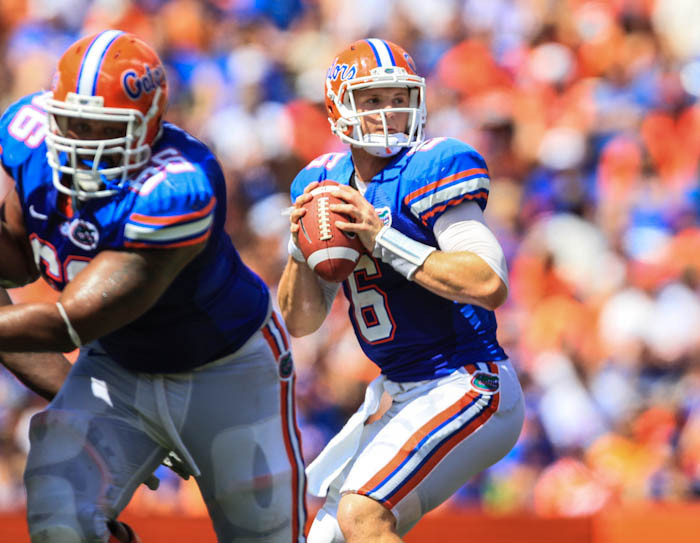 Florida quarterback Jeff Driskel (6) drops back to pass during third quarter action of their game against Kentucky at Ben Hill Griffin Stadium on Saturday, September 22, 2012 in Gainesville, FL.