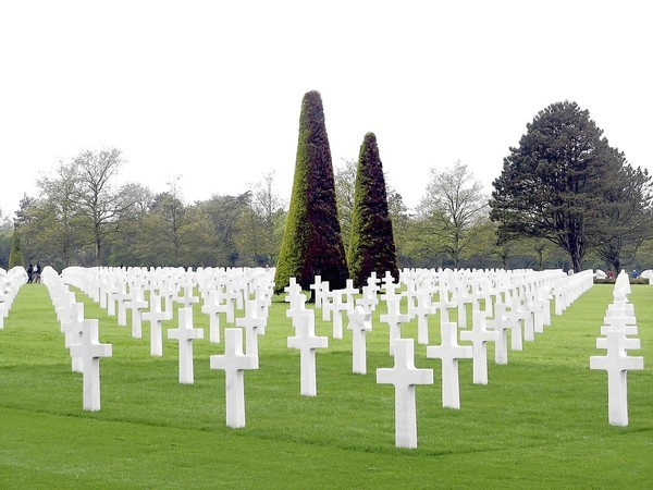 The Commander also visited the American Cemetery in Normandy,  the resting place for more than 9,000 military dead.