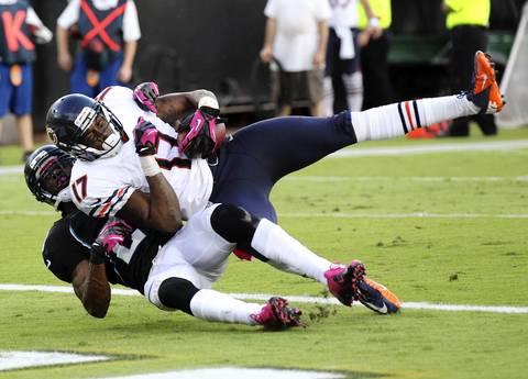Wide receiver Alshon Jeffery scores a touchdown in the third quarter.