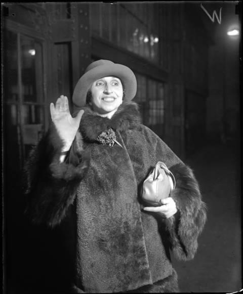 Mrs. Homer Samuels, December 12, 1925.