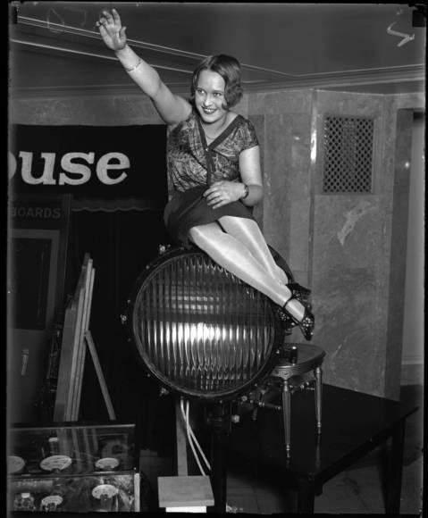 Mary Raymond, 1226 Jackson Blvd, Electrologist, August 5, 1928.