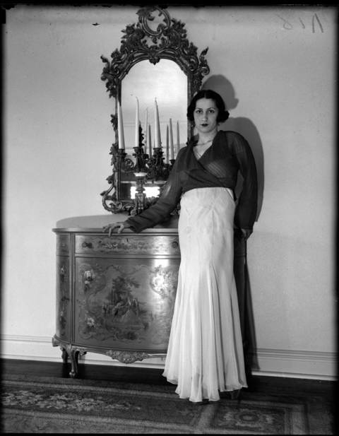ane Martin - Society Fashion - photo received by American-Examiner Reference Room - September 30, 1939.