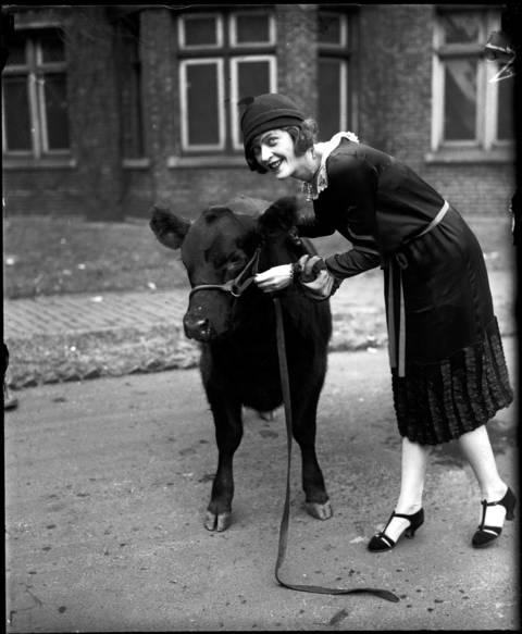 Marjorie Phillips - Chorus Girl , November 25, 1925.