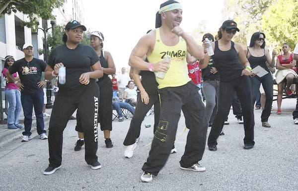Thousands enjoyed Latin food and music on Sunday, October 1st, 2010. The city of Orlando hosted Calle Orange and Orange Ave was closed for the Latin flavored festival.