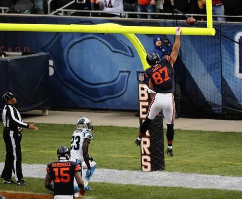 Tight end Kellen Davis celebrates after his 4th quarter touchdown.