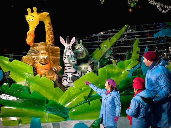"""Merry Madagascar"" characters peek out from the frozen jungle in ICE! at Gaylord Palms."