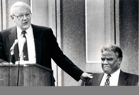 "Appearing at the University of Illinois at Chicago campus, Lt. Gov. George Ryan assures Mayor Harold Washington the he is willing to ask for additional funds for the ""Build Illinois"" program."