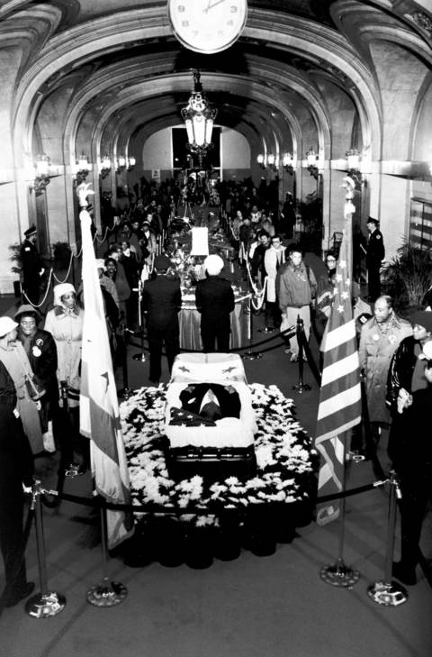 In the days following the death of Mayor Harold Washington, thousands filed through City Hall to pay their last respects to Chicago's first African-American mayor. The city came together as it never had when he was alive.