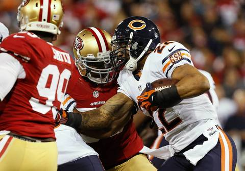 Matt Forte rushes in the first quarter against the 49ers.