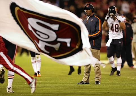 Bears coach Lovie Smith reacts after a third quarter touchdown by the 49ers.