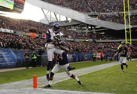 Kelvin Hayden breaks up a pass intended for the Vikings' Jarius Wright in the 4th quarter.