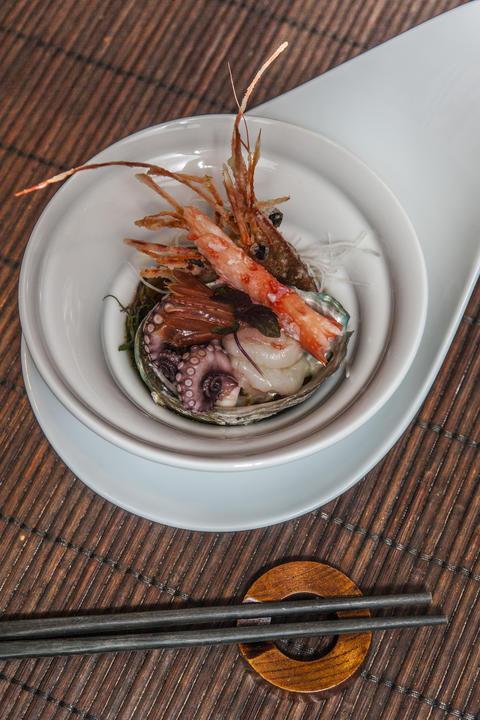 Masaki Sushi, 990 Mies van der Rohe Way.