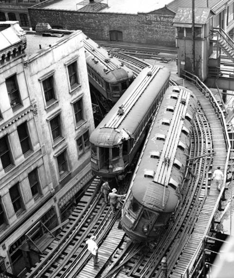 Chicago North Shore rail accident between Harrison Street and Wabash Avenue on May 24, 1953.