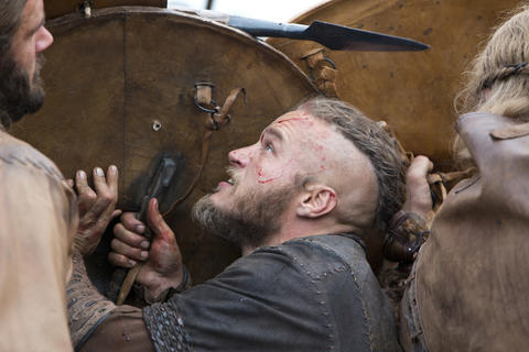 Ragnar (Travis Fimmel) escapes death in a battle.