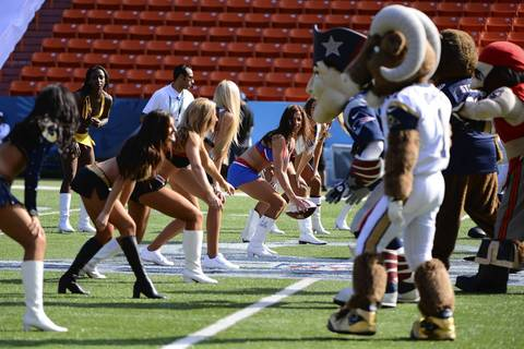 NFL cheerleaders against the NFL mascots on Ohana Day at the 2013 Pro Bowl.