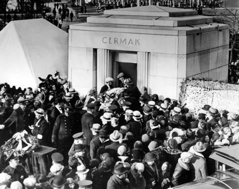 A crowd of 50,000 attends the burial services for Chicago Mayor Anton J. Cermak on May 10, 1933.