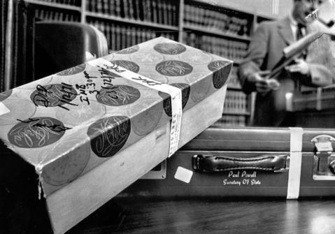 The famous shoebox containing $150,000 in cash found in Paul Powell's Springfield hotel room in 1970 was returned to the executors of his estate in June 1975. The box and other items that held $800,000 and records had been kept as grand jury evidence by the Sangamon County state's attorney since their discovery after the former Illinois secretary of state's death in 1970.