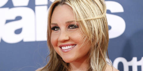 "Amanda Bynes Trending on: Google Trends Why: Amanda Bynes wants who to do what to her what?!  (Take a deep breath, guys, this one's a doozy.) The former What I Like About You star, who has undergone a dramatic makeover and just this morning showed off her cheek piercings, has already made it known that she thinks rapper Drake is a ""hot fellow,"" and, well, he is. But a recent tweet describing exactly what she wants this ""hot fellow"" to do to her lady bits just took things over the edge. [  The Huffington Post  ]"