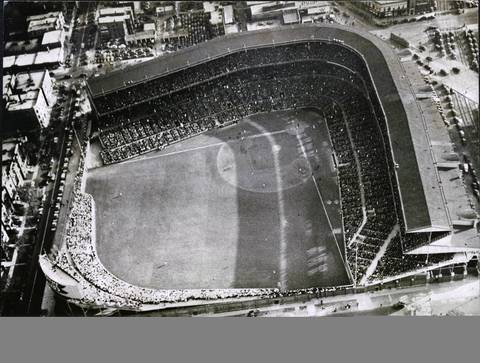 Aerial shot of Wrigley Field from a United Air Lines plane as 35,000 fans watched the Chicago Cubs battle the Pirates for first place in the National League.