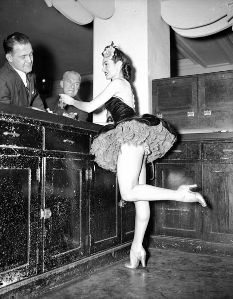 Showgirl Polly Parrott at the Edgewater Beach Hotel, Feb. 2, 1944.