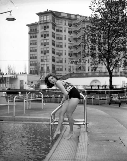 Dancer Elita Cleveland at the season opening of the Edgewater Beach Hotel pool, May 1, 1962.