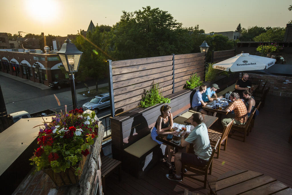 The rooftop at Ravenswood bar Fountainhead is now open for outdoor beer-drinking.