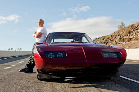 the cars of 39 fast furious 6 39 chicago tribune. Black Bedroom Furniture Sets. Home Design Ideas