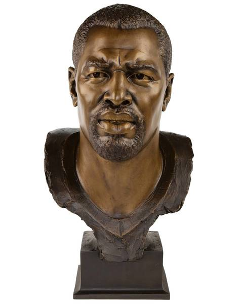 The Hall of Fame bust of Richard Dent.