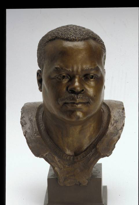 The Hall of Fame bust of Mike Singletary.