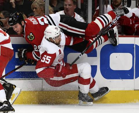 Chicago Blackhawks Storm To 4-1 Victory, Stave Off Elimination