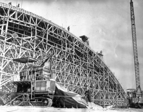 The world's largest commercial hanger was built in 1946 at Chicago Municipal Airport. On November 14, 1946, construction workers prepared to pour concrete for the structure that would eventually house American Airlines planes.