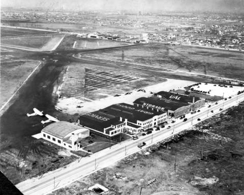 An undated aerial photo of Chicago Municipal Airport.
