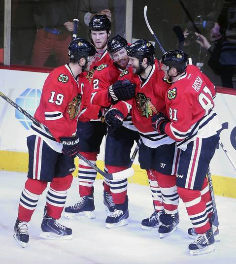 Brent Seabrook celebrates his goal against the Kings in the first period.