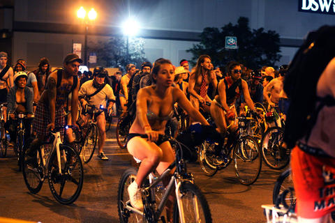 Bike riders took to Chicago's streets on Saturday, June 8, 2013 to ...